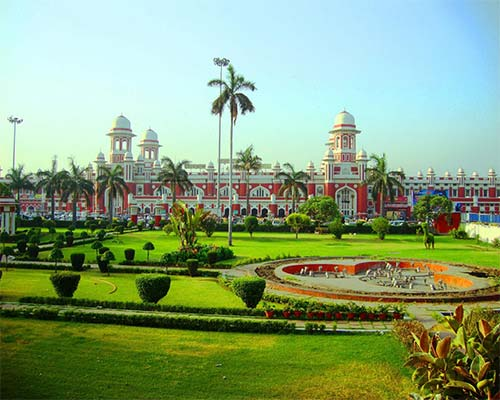 Lucknow Shirdi Tour